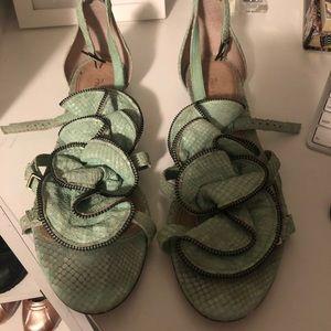 Pour la victoire teal sandals